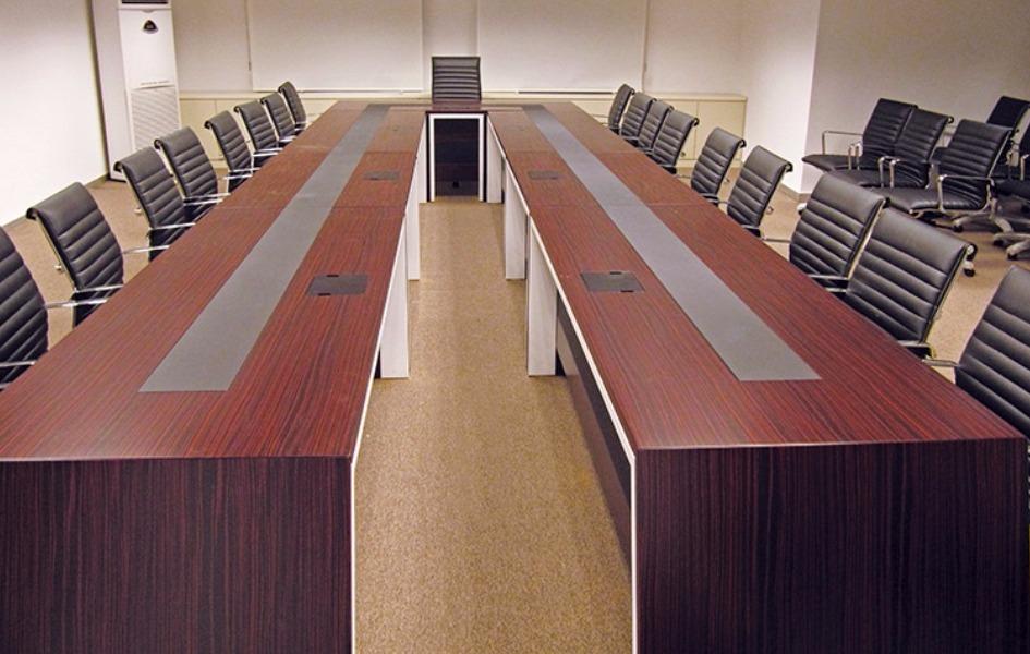Lukoil Toplantı Masası