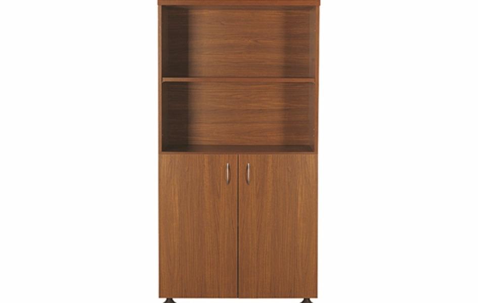 Деревянный шкаф с короткими дверями и открытой полочкой