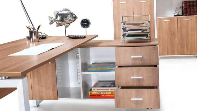 Ofis Çalışma Masaları Detaylı ve Fonksiyonel Olmalıdır