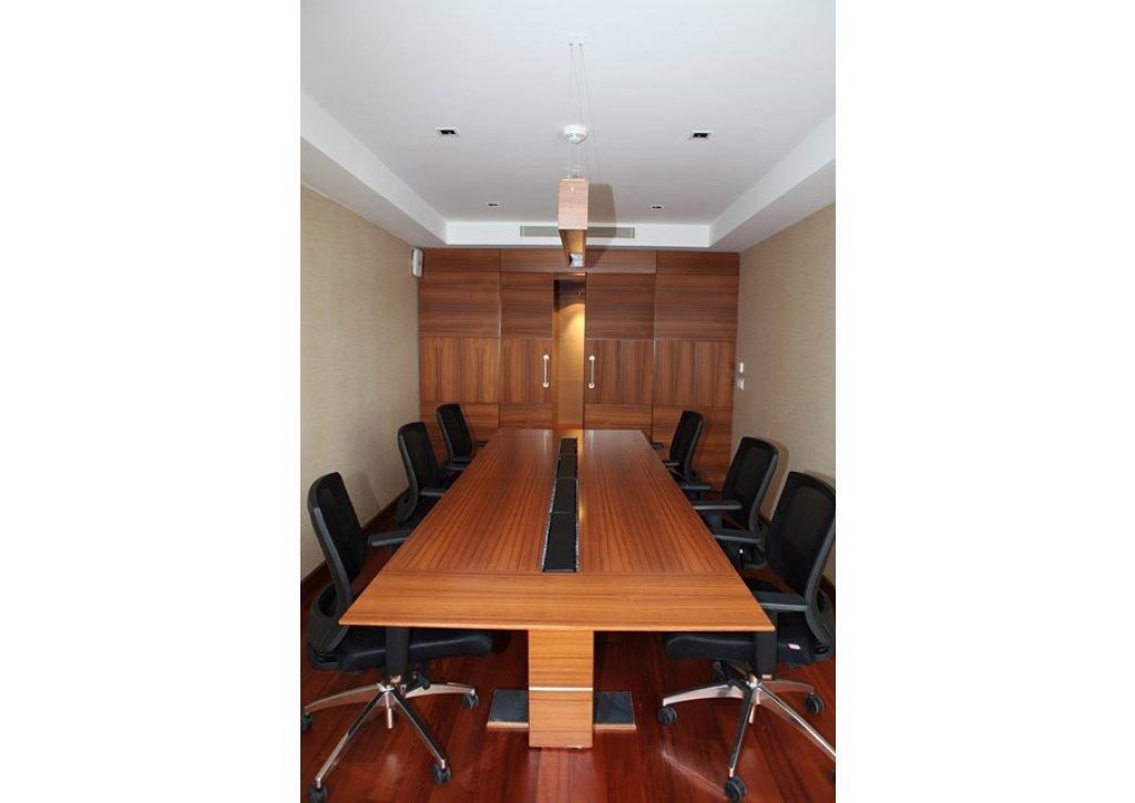Calinos Holding - Ofis Mobilyaları Yapımı