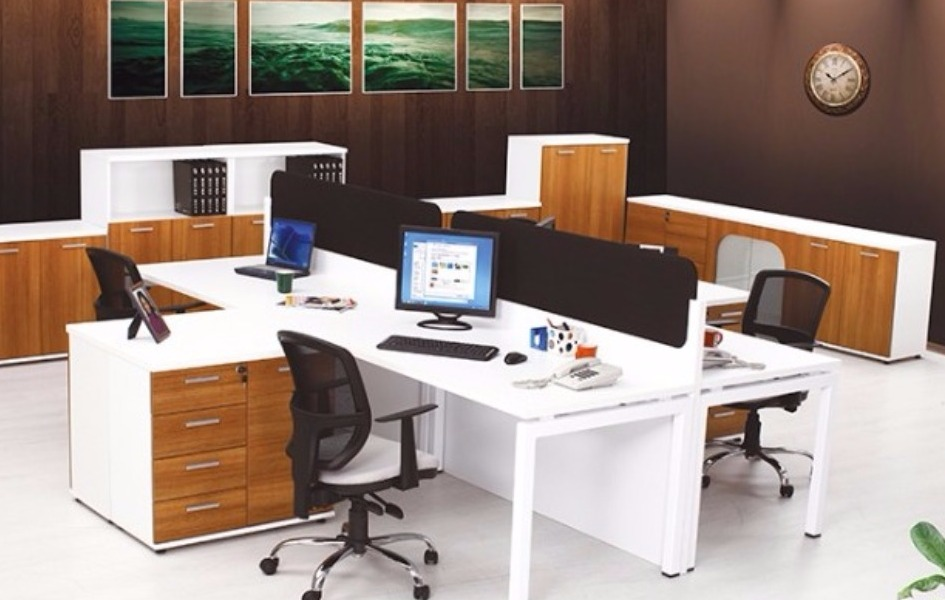 Рабочий стол с Rio 4